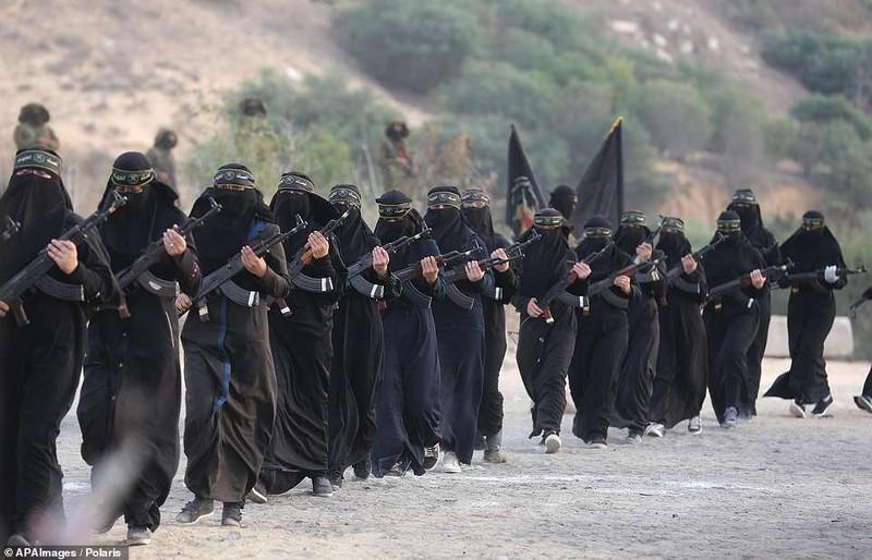 "Kinh ngac ""doi quan toc dai"" pho dien suc manh tai Dai Gaza-Hinh-8"
