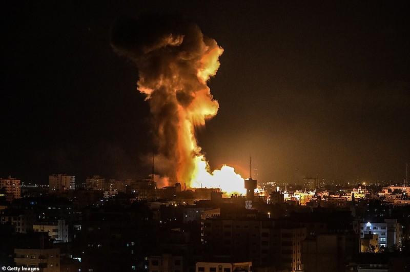 Hinh anh Dai Gaza ruc lua, Israel pha nat dai truyen hinh Hamas-Hinh-3