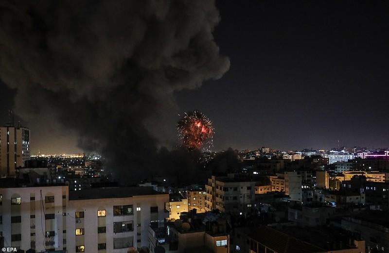 Hinh anh Dai Gaza ruc lua, Israel pha nat dai truyen hinh Hamas-Hinh-6