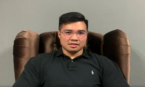 Xon xao clip nhay cam cua Bo truong Malaysia