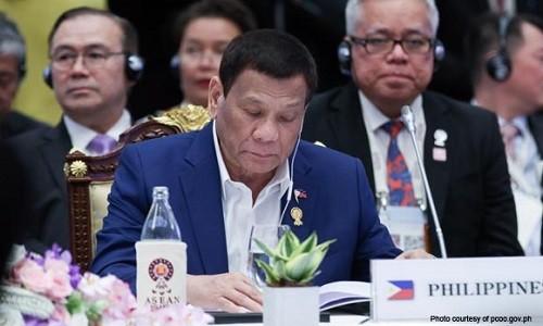 Tong thong Duterte cam on thuyen vien Viet Nam cuu ngu dan Philippines