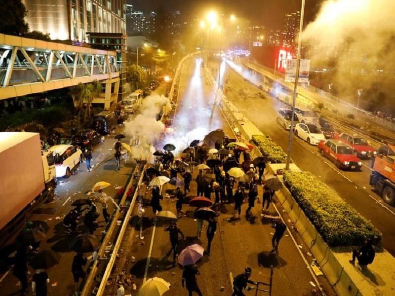 Thuong vien My thong qua du luat ve Hong Kong, Trung Quoc