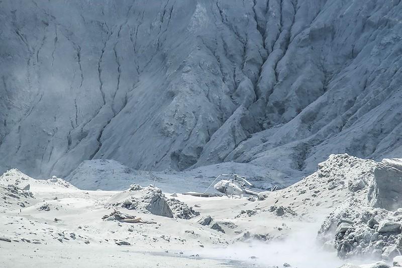Hai hung canh nui lua dot ngot phun trao o New Zealand, hang chuc nguoi thuong vong-Hinh-11
