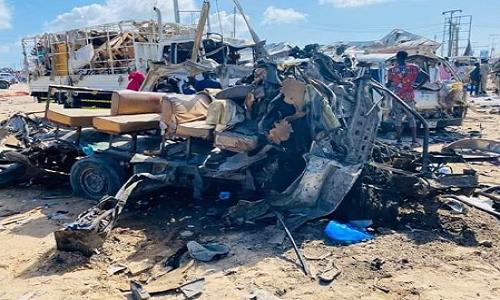 Danh bom xe kinh hoang tai Somalia, it nhat 50 nguoi thiet mang