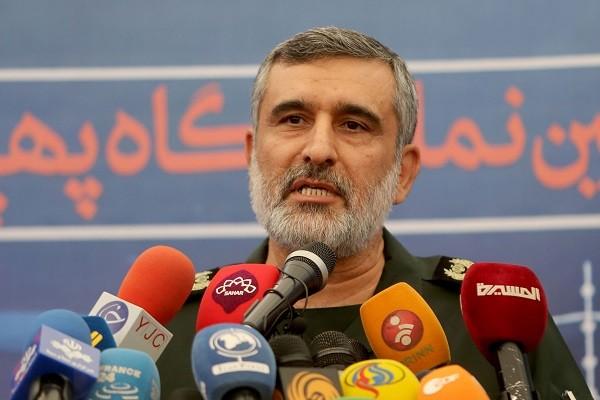 Tuong Iran ha lenh ban nham may bay Ukraine:
