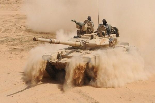 Khung bo IS dot kich, tan sat binh si Syria tren chien truong Dong Homs