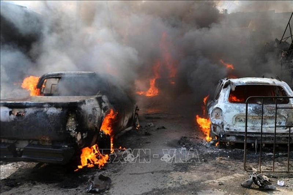 Danh bom xe tai cho nhien lieu, gan 100 nguoi thuong vong