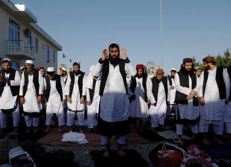 Toan canh Afghanistan phong thich 900 tu nhan Taliban-Hinh-10
