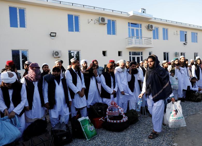 Toan canh Afghanistan phong thich 900 tu nhan Taliban-Hinh-4