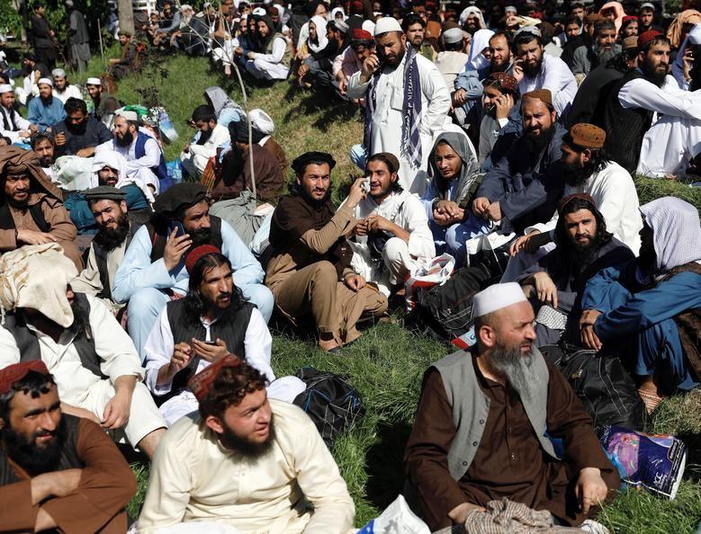 Toan canh Afghanistan phong thich 900 tu nhan Taliban-Hinh-6
