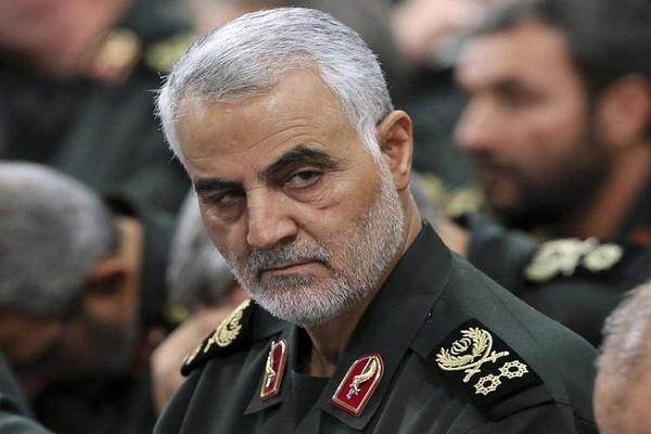 Iran hanh quyet diep vien CIA tung giup My am sat Tuong Soleimani