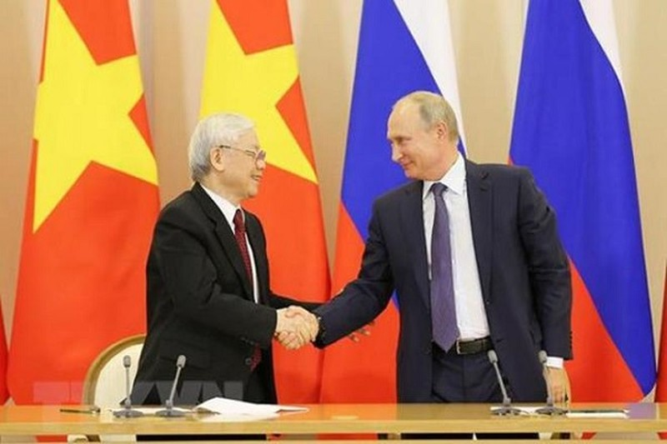 Tong thong Putin cam on Viet Nam ho tro trong cuoc chien chong COVID-19