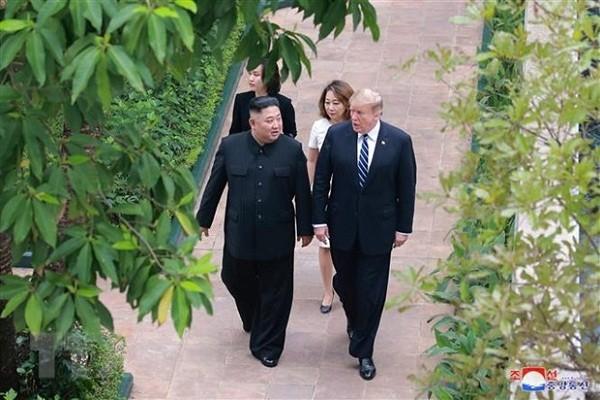 Ong Trump tung de nghi dua ong Kim Jong-un tu Viet Nam ve nuoc