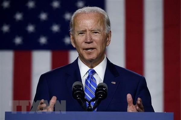 Ong Biden se chon phu nu da mau tham gia lien danh tranh cu?