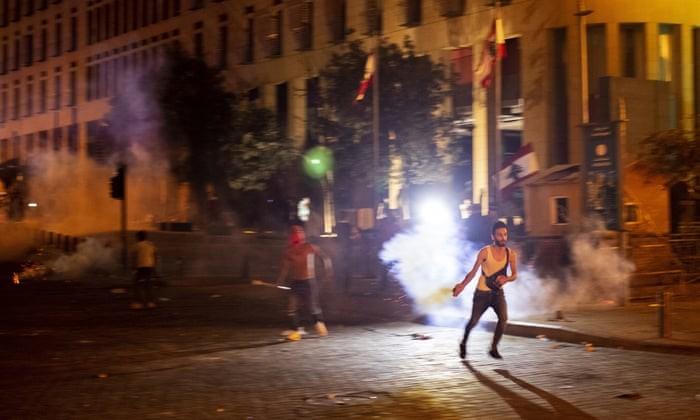 Vu no tham hoa o Li Bang: Beirut chim trong khoi lua bieu tinh-Hinh-7