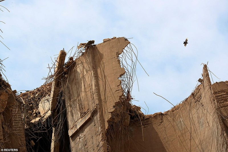 Vu no tham hoa o Li Bang: Beirut chim trong khoi lua bieu tinh-Hinh-10