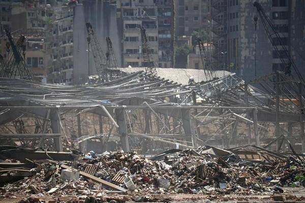 Anh moi nhat thu do Beirut sau vu no tham hoa, thiet hai