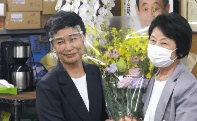 Moi tinh sau nang giua Phu nhan Mariko voi Thu tuong Nhat Suga-Hinh-9