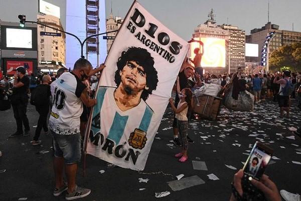 Soc: Y ta thua nhan noi doi, le ra Maradona da duoc cuu song-Hinh-2