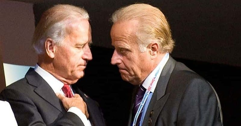 Dieu it biet ve em trai ong Biden dang bi dieu tra
