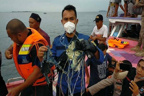 Dien bien vu may bay Indonesia cho 62 nguoi gap nan-Hinh-7