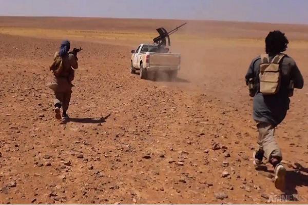 Khung bo IS giao dau ac liet voi HTS tai Syria