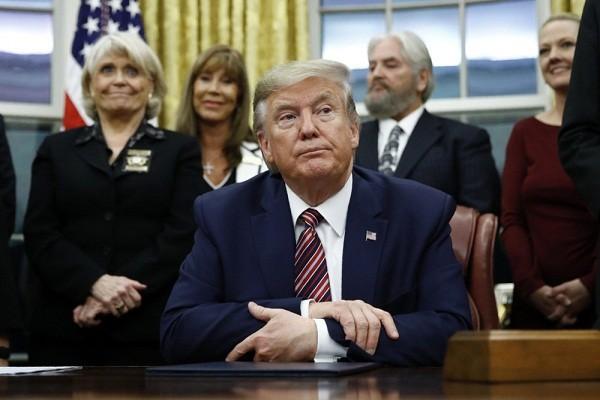 Ong Trump van co the vuot qua ai luan toi lan thu 2