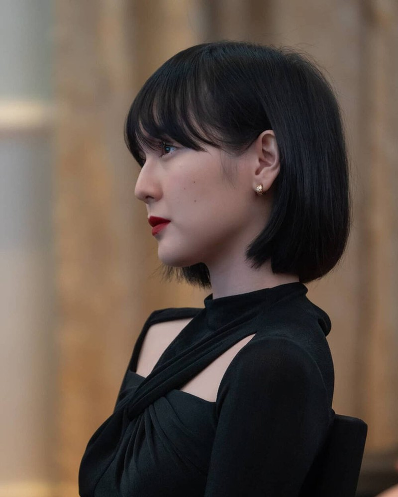 Chiec dam Hai Tu dien khi sanh doi ben Son Tung bong chay hang-Hinh-7