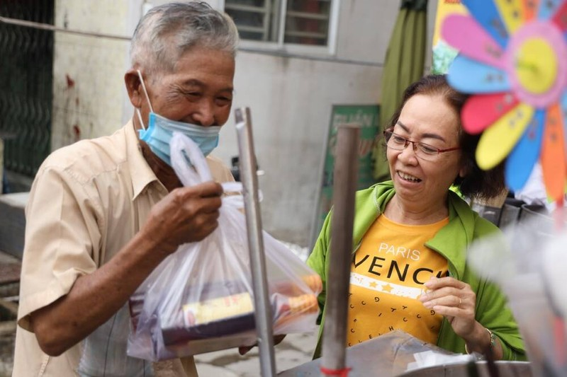 Canh ngheo kho cua cu ong gan 50 nam ban keo bong gon-Hinh-2