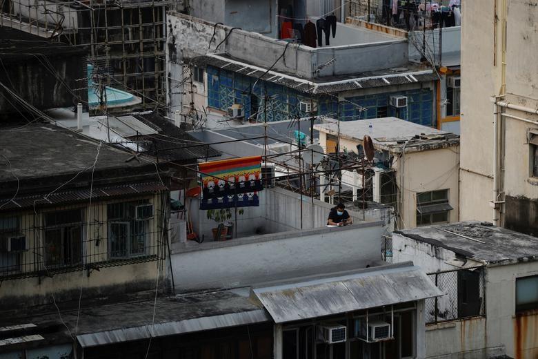 Nhung ngay bi phong toa tai khu co 10.000 dan o Hong Kong-Hinh-10