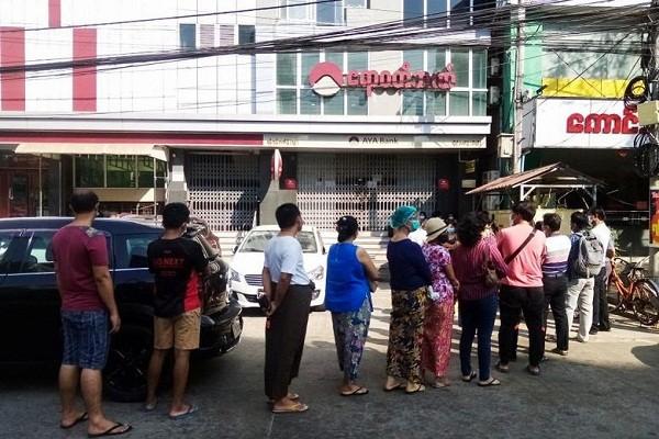 Ben trong dat nuoc Myanmar sau vu bat giu ba Aung San Suu Kyi-Hinh-11