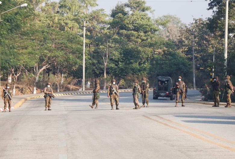 Ben trong dat nuoc Myanmar sau vu bat giu ba Aung San Suu Kyi-Hinh-2