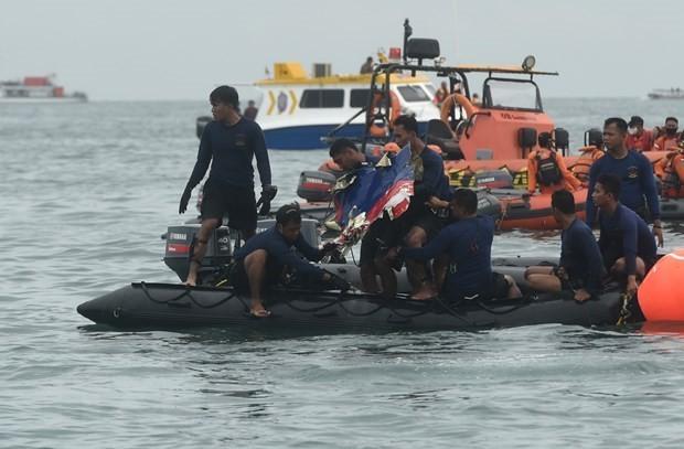 Vu may bay roi tai Indonesia: May bay di chuyen khong khop voi chi dan