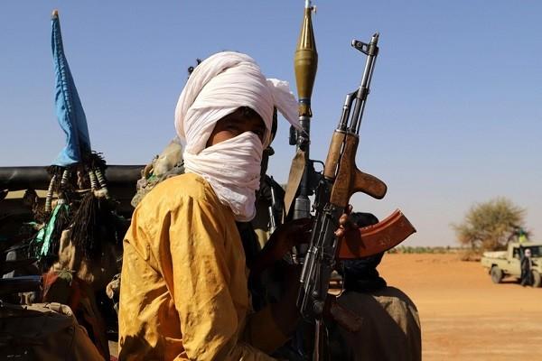 Khung bo IS va al-Qaeda chuan bi