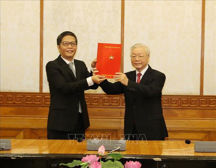 Ong Tran Tuan Anh duoc phan cong giu chuc Truong Ban Kinh te Trung uong