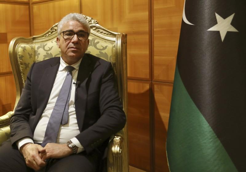 Than the Bo truong Libya vua bi am sat hut-Hinh-9