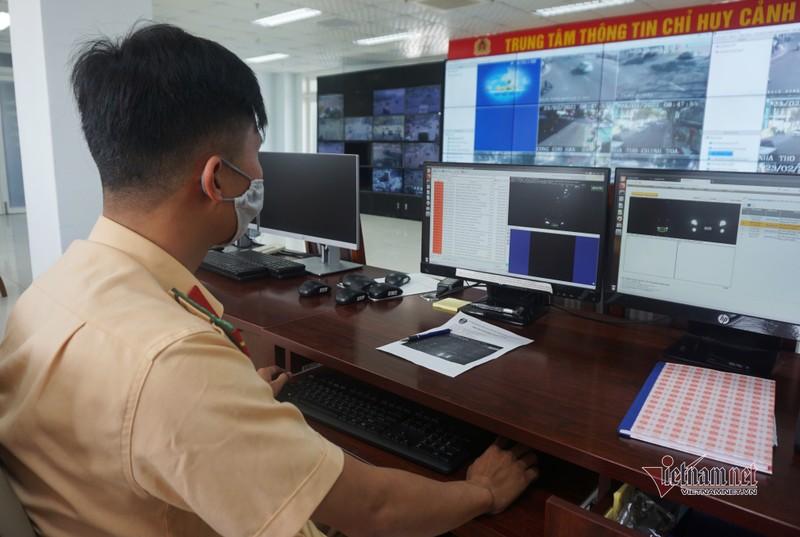 Video: Camera giao thong giup CSGT khong phai dung duong-Hinh-3