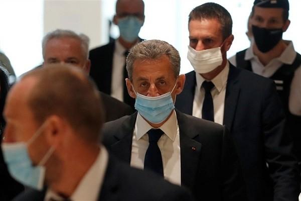 Cuu Tong thong Phap Nicolas Sarkozy bi ket an 3 nam tu