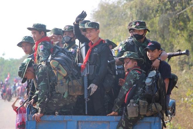 Nguoi bieu tinh Myanmar tu vong voi vet dan tren dau-Hinh-2