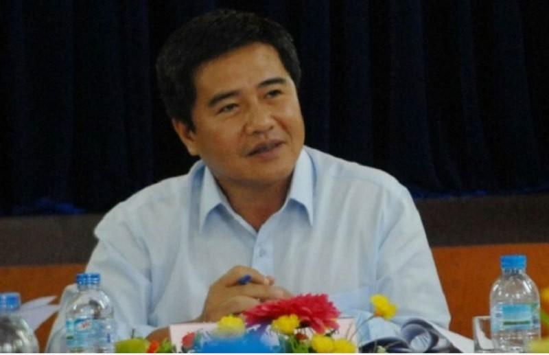 Giam doc Ngan hang Nha nuoc chi nhanh TP Ho Chi Minh bat ngo xin thoi chuc