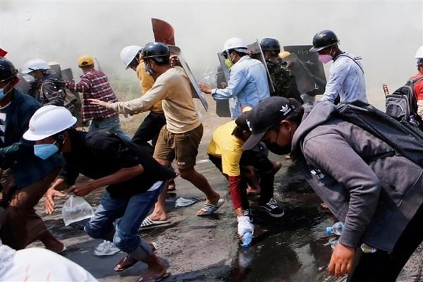 200 canh sat Myanmar va nguoi than chay tron sang An Do