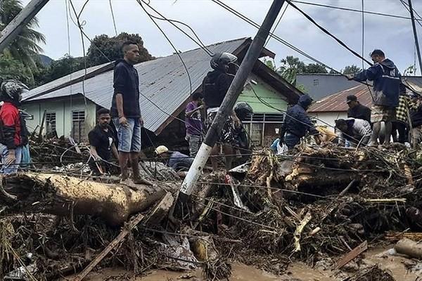 Bao Seroja do bo vao Indonesia, 174 nguoi thiet mang