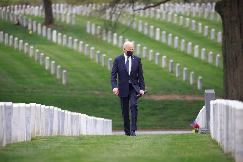 Tong thong Biden khoc sau khi thong bao rut quan khoi Afghanistan-Hinh-4