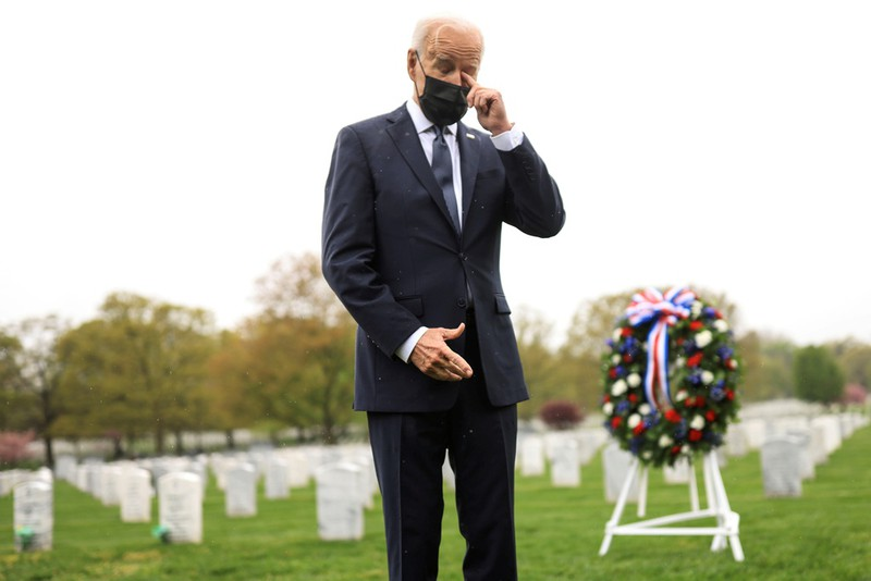 Tong thong Biden khoc sau khi thong bao rut quan khoi Afghanistan-Hinh-8
