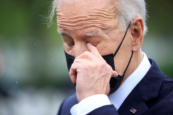 Tong thong Biden khoc sau khi thong bao rut quan khoi Afghanistan