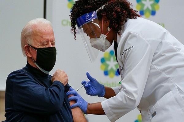 Ong Biden: Nguoi My da tiem vaccine duoc ra ngoai khong can khau trang