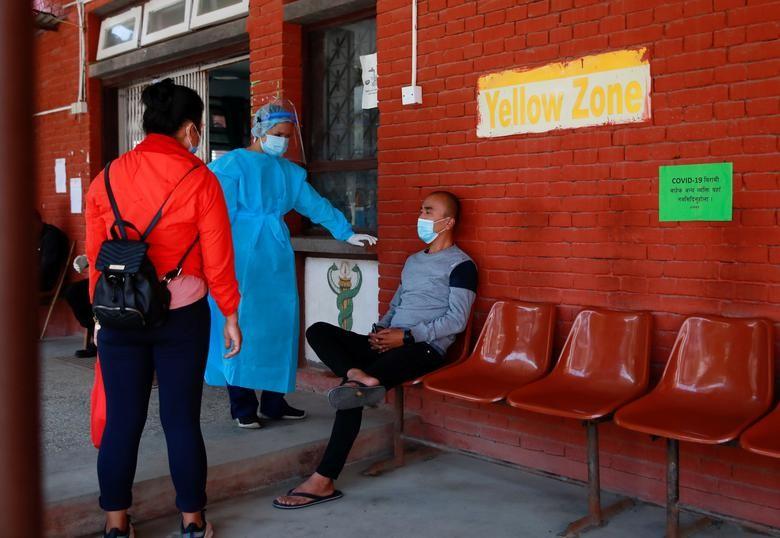 """Ben trong dat nuoc Nepal giua """"bao"""" COVID-19-Hinh-11"""