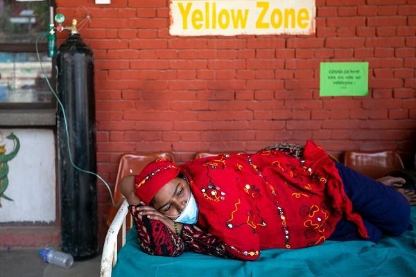 """Ben trong dat nuoc Nepal giua """"bao"""" COVID-19"""