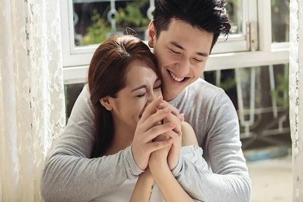 """Phu nu thong minh se khong tuy y """"cham"""" vao 4 diem nay cua chong"""