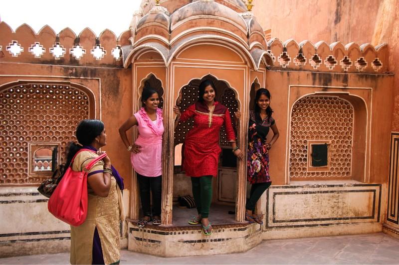 """Cung dien cua gio Hawa Mahal - """"Thanh pho hong"""" cua Jaipur, An Do-Hinh-9"""